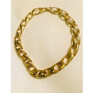 Gold Tone Link  16 in  Necklace